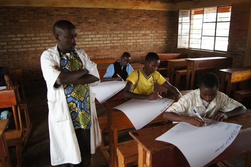 teacher-classroom-school-student-pupil-teaching
