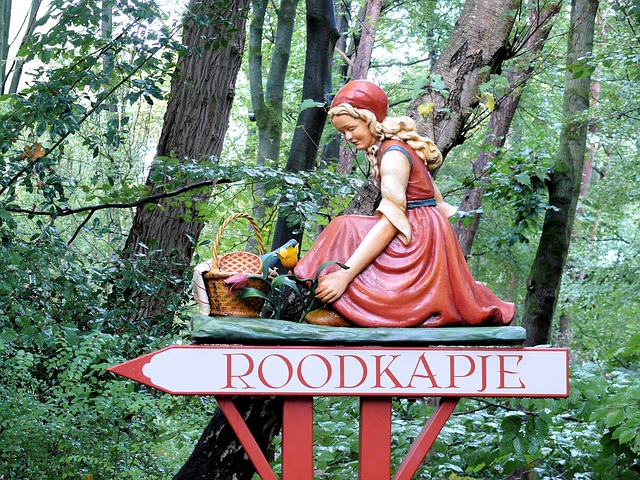 little red riding hood sculpture